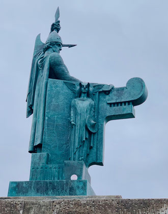 Monumento a Ingòlfur Arnarson di Einar Jonsson. Foto di A. Paionni