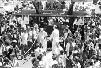 Ratha Yatra celebration 1967 San Francisco -chanting Hare Krishna all day long