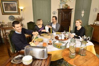 la salle à manger des petits déjeuner des chambres d'hote de charme du Masbareau