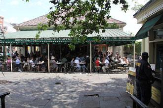 Cafe du Monde , New Orleans