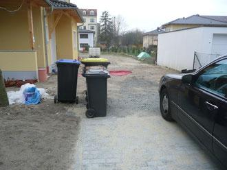 Bei diesem Projekt wurde ein Fußweg & Einfahrt zum Haus realisiert.