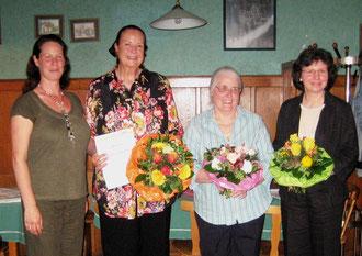 v.l.: Melanie Tritschler (2. Vorsitzende), Rosely Schweizer, Annemarie Steinle, Sibylle Strobel (1. Vorsitzende)