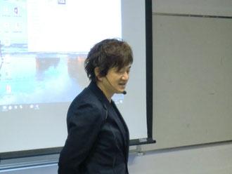 鹿児島県理容組合出水支部の講習が、堂園輝明鹿児島県講師を招いて開催された。(2017.11.27)