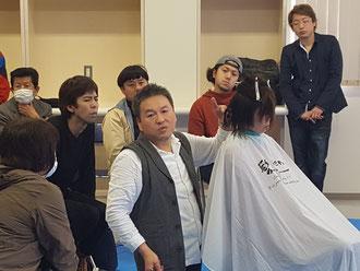 林 淳泰中央講師(三重)を招いて、鹿児島県理容組合の講習会が開催された。(2019.3.4)
