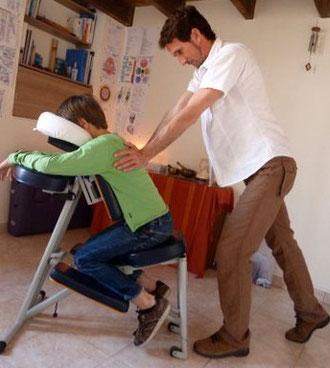 Massage Amma assis pour les enfants