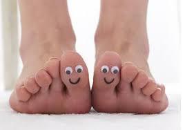 """MASSAGE CANNES/Réflexologie plantaire : """"A à ZEN Massages"""" aime :""""N'oubliez pas que la terre se réjouit de sentir vos pieds nus et que les vents joueraient volontiers avec vos cheveux."""" Khalil Gibran."""