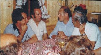 Bundesliga SR Horst Joos, Walter Fetzer und Theo Schmitz im Gartenhaus bei Walter Fetzer