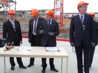 Gérard Collomb s'apprête à signer le manifeste fondateur de WOOPA.