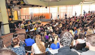 Aufmerksam verfolgten die jungen Zuhörer die Ausführungen der Politiker und stellten auch kritische Fragen. Allesamt werden sie am 25. Mai erstmals an einer Kommunalwahl teilnehmen dürfen.