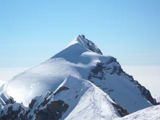Der Panoramagrat zwischen Ost- und Westgipfel ist etwa 1 km lang