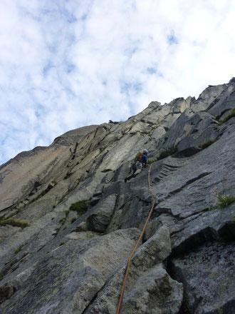 1. Seillänge, Alpenliebe, Teufelstalwand, klettern, Andermatt