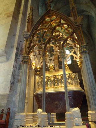 Монастырь Сантес Креус. Пантеон