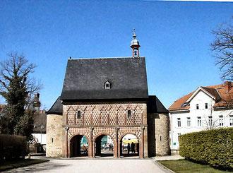 Karolingische Königshalle