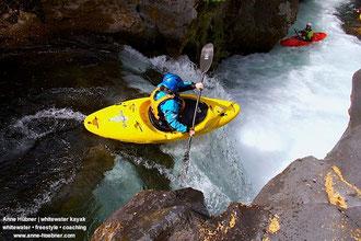 Kristallklares Wasser am Rio Palguin beim Chile Kajak-Trip mit Anne Huebner