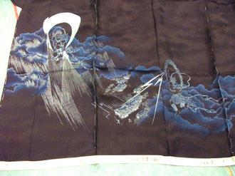 風神雷神文様の色留袖