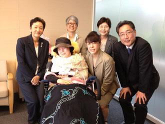 日本看護協会を訪問し、坂本会長や理事の皆様とともに