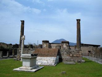 Помпеи, древний город фото