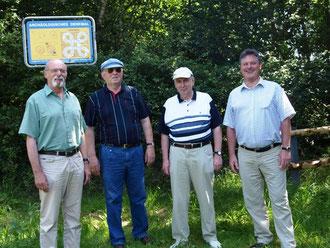 Krinkberg wieder mit Parkplatz: Wolfgang Dröber, Dirk Cramer,  Reinhard Heesch und Norbert Graf erhoffen sich viele Besucher.