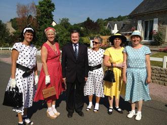 Pour l'occasion, les femmes de Plomb avaient reconstitué la mode des années quarante, et faisaient assaut d'élégance. Un sourire au moment de commémorer des événements historiques qui ont marqué les mémoires
