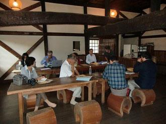 アジア民族造形館での講義風景