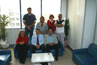 Besuch beim Bürgermeister von Menderes (unten Mitte) 2009