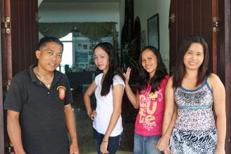 Das Team, die treue Seele des Hauses, Pedro, Angelita, Tina und Anita von links nach rechts