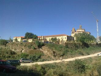 Die Rückseite des Kloster San Rosendo