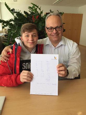 Nico Gubler (links) mit Thomas Binder, Gemeindeschreiber