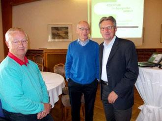 (v. l.) Vorsitzende AG 60 plus Minden - Lübbecke Dieter Pohl, Referent Emil Engel und SPD-Bundestagskandidat Achim Post.   FOTO: SPD AG 60 plus