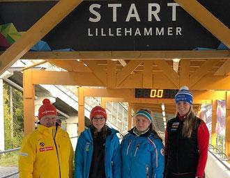 Mit Spitzensportlerin Nathalie Geisenberger trainierten Katharina Werner und Magdalena Matschina vom SV Bad Feilnbach in Lillehammer. Begleitet wurden sie von Landesverbandstrainer Martin Schwab (von rechts).