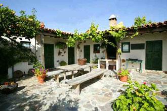 Kanarisches Ferienhaus mit Terrassen auf der Finca Palo Alto in Guia de Isora auf Tenerife