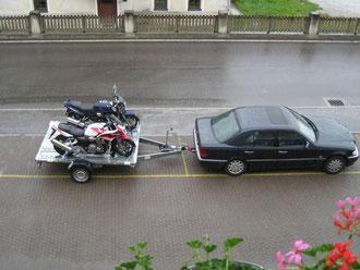 Motorradanhänger für 3 Motorräder mieten