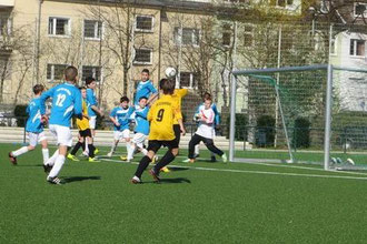 TuS D1-Jugend im Spiel gegen TuS 84-10. - (Foto: dife).