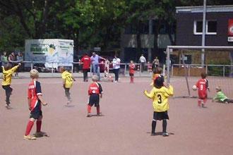 Das 1:0 für die Bambini 1 gegen den TuSEM (Foto: m.d.).