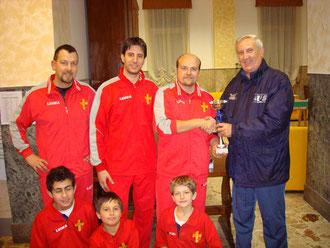 Alcuni atleti del Messina Table Soccer premiati dal presidente onorario Salvatore Giliberto