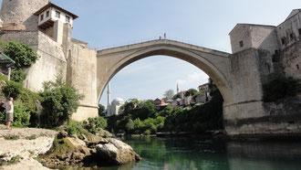 Die weltberühmte Brücke über die Neretva in Mostar