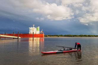 Mit ROWonAIR® (fast) überall aufs Wasser, auch auf Flüssen wie der Elbe rudern