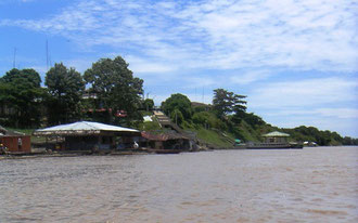 Dorf Tamshiyacu bei Iquitos