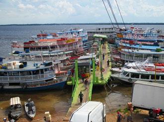 Schwimmende Anlegestelle Manaus