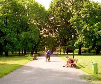 wunderschöne Parkanlagen grenzen direkt an das Zentrum