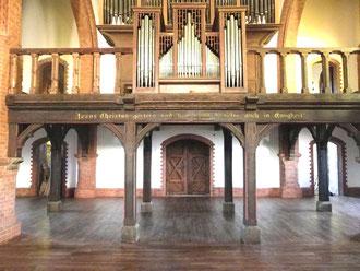Nach der Restaurierung - Eingng und Orgelempore