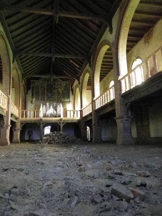 2012 - Der Alte Fußboden wird abgetragen