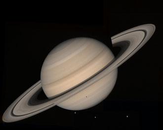Saturno fotografato dalla sonda Voyager 2