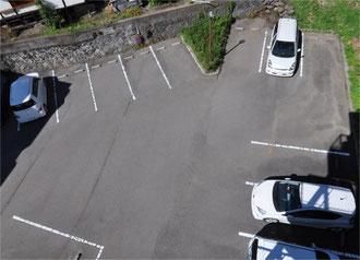 荒町の中では大きな駐車場です