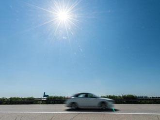 Wer eine Reise mit dem Auto plant, berechnet Fahrzeiten und Wegstrecke heutzutage oft mit digitalen Routenplanern. Doch dabei drohen Abofallen. Foto: Armin Weigel