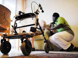 Auch der Bereitschaftsdienst von Pflegekräften muss mit dem Mindestlohn bezahlt werden. Foto: Angelika Warmuth/Archiv