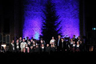Münchner Weihnachtssingen Heilige Nacht 2011 mit Enrico de Paruta und seiner großen Solistenbesetzung in der Allerheiligen-Hofkirche der Münchner Residenz