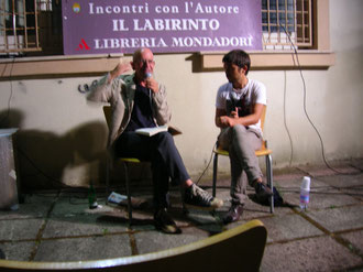 Un momento della serata. Da sinistra A. Longo e F. Soriga