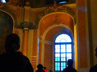ein Seitenaltar i wieder aufgebauten Dom