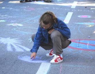 Malen mit Straßenkreiden